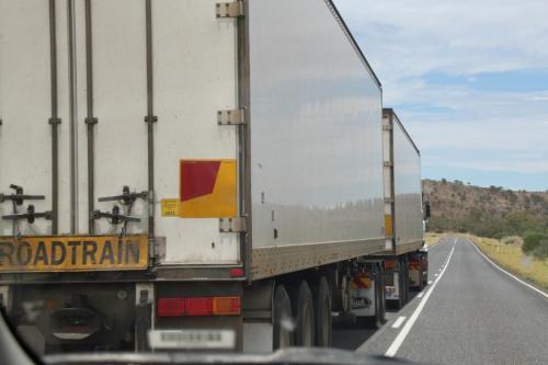 Ayers Rock - roadtrain lmarker
