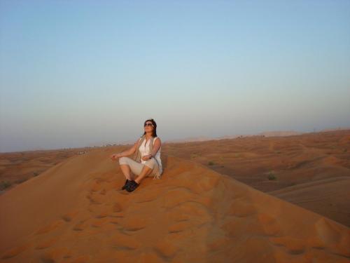 Dubai desert meditatie