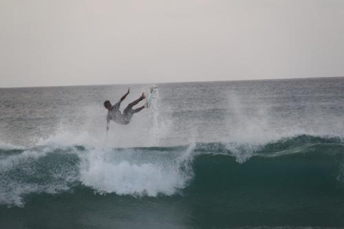 Fernando de Noronha - Falling surfer