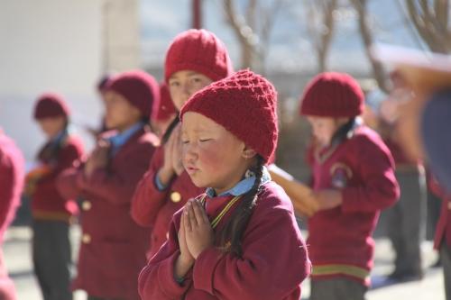 Ladakh - Biddende kinderen school Thiksey