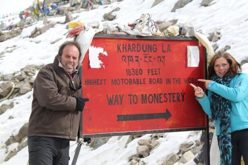 Ladakh - Way to manastery Khardung La
