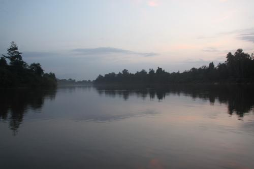 PNG - Karawari river waterspiegel