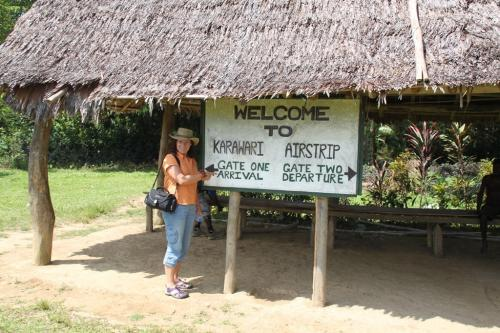 PNG - airport arrival departure