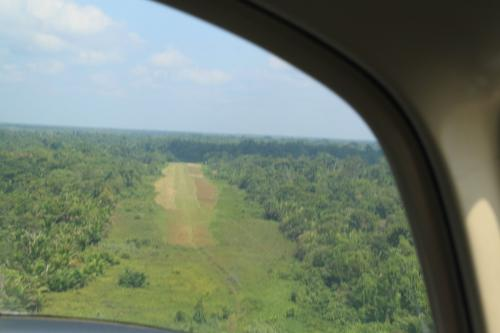 PNG - airstrip wandelweg