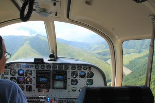 PNG - vliegen en bergen