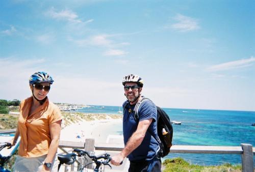 Rottness Island - Erwin & Dede