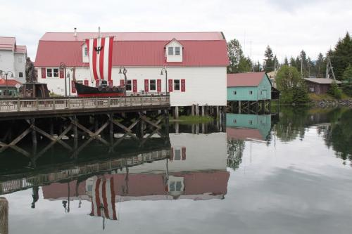 Alaskandream - Petersburg  viking boat