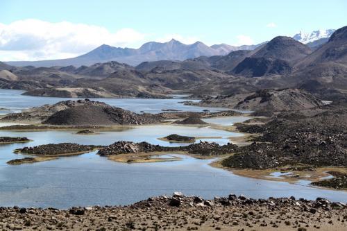 Atacama- Cotacotani Laguna