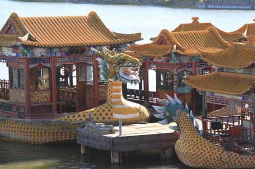 Chinese wall - Boten zomerpaleis