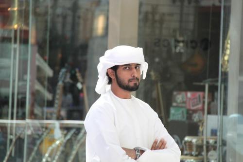 Dubai man dress