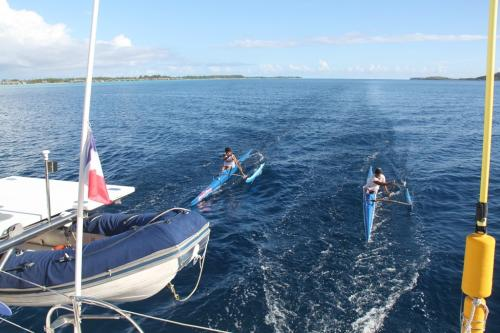 Frans Polynesie - canoe training