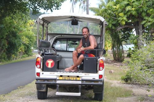 Frans Polynesie - pickup truck Huahine