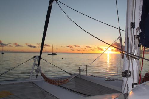 Frans Polynesie - sunset with catamaran