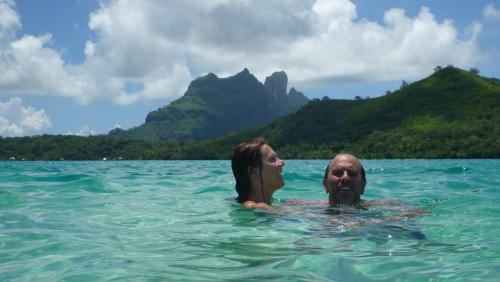 Frans Polynesie - swimming dede erwin