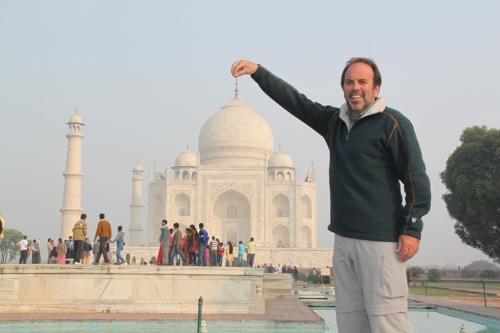 India - Taj Mahal in de hand