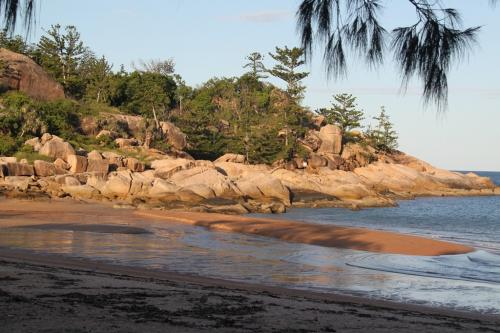 Magnetic Islands - Flinstones