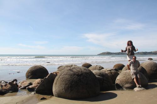 NZ - Moeraki Boulders