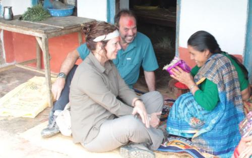 Nepal - geschenk overhandigen