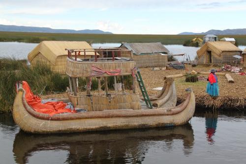 Peru - Boot rieteiland