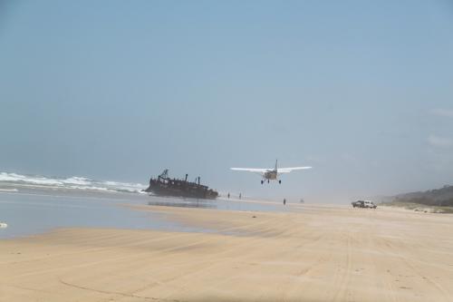 QLD - Fraser vliegtuig strand
