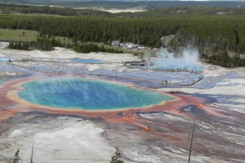 Yellowstone - midway geyser basin